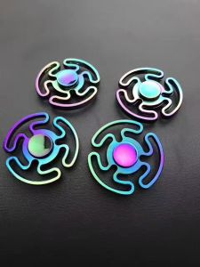 Colorful Hands Spinner pictures & photos