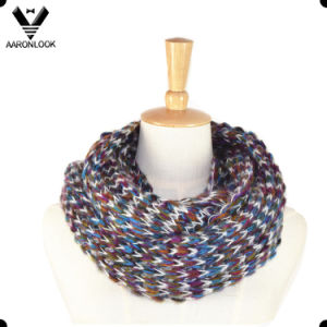 Fashion Multicolor Mohair Knitted Infinity Scarf pictures & photos