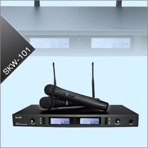 UHF Wireless Microphone System (SKW-101)