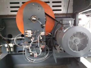 High Speed Semi-Automatic Die-Cutting & Creasing Machine pictures & photos