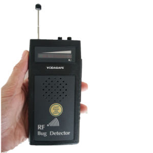 Wireles Signal Scanner RF Bug Detector with Voice Display Laser-Assisted Direction Indication Anti Wiretapping Camera Detector Radio Detection pictures & photos