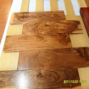 Prefinished Handscraped Asian Walnut Solid Wood Flooring pictures & photos