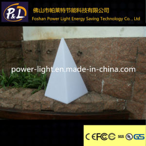 Modern Color-Changing Decor Pyramid Light LED Table Lamp pictures & photos