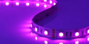Cheap 4.2W/M 12V Warm White LED Flexible Strip Light pictures & photos