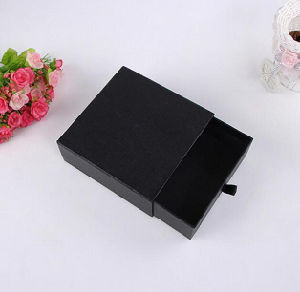 Customize Paper Bow Tie Black Cardboard Box pictures & photos