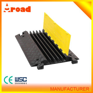 High Quality Ce Standard 5 Channel Floor Rubber Cable Protector pictures & photos