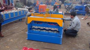 Dx Professional Glazed Roof Tile Roll Forming Machine pictures & photos