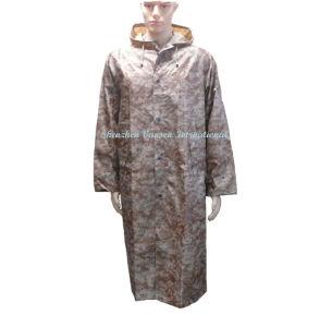 Waterproof Long Army Raincoat in Desert Digital Camouflage pictures & photos