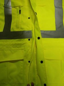 High Quality Reflective Raincoat with En20471 Standard pictures & photos