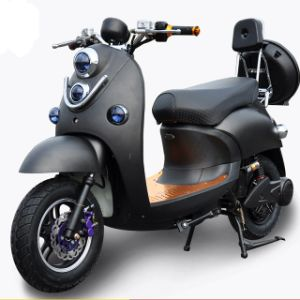 Top Quality Vespa Electric Scooter for Audlt Pedal Assistant pictures & photos