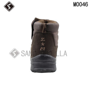 Brown Men Cotton Outdoor Climbing Waterproof Shoes and Boots pictures & photos