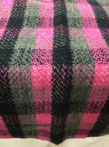 Stock Check Wool Fabric Pink & Black Woollen Cloth pictures & photos