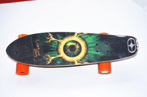 2016 Popular Model Electric Single Moter Four Wheels Skateboard pictures & photos