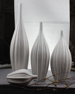 White Porcelain Crafts with Western Design pictures & photos