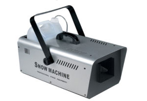 Yuelight High Quality 600W Snow Ice Making Machine for Disco Party Stage Effect pictures & photos