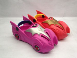 Kid′s Lovely Car Clogs in Soft EVA Materials (21IV1607) pictures & photos