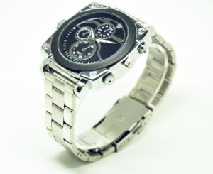 1080P Watch Camera Infrared Light Sensation Nightvision 4 LED 36 Hours 32GB Len HD 9712 pictures & photos