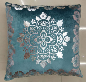 Metallic/Flock Printed Decorative Pillow Metallic Print Cushion (XPL-40) pictures & photos