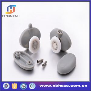 Low Price Made in China Plastic Single Shower Roller pictures & photos