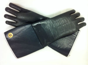 Chemical Resistant Embossing Palm and Fingers Lined Glove pictures & photos