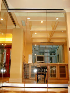 Movable Frameless Glass Partition Wall pictures & photos