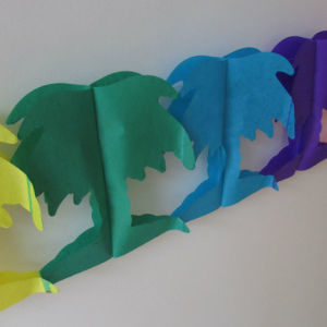 Colorful Coconut Tree Paper Garlands pictures & photos