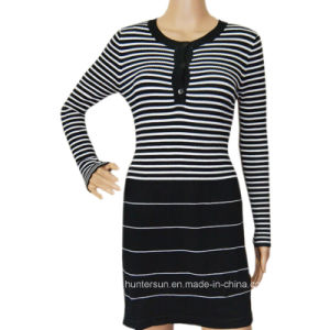 Women Stripe Sweater with Semi Open Chest Knitwear (HS8003)