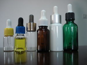15ml Colored Screwed High Quality Glass Dropper for Essential Oil (JD2006) pictures & photos