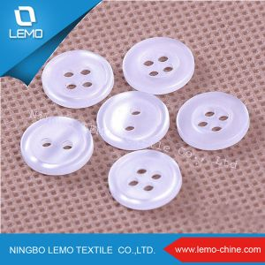 2 Hole Polyester Plastic Resin Button pictures & photos
