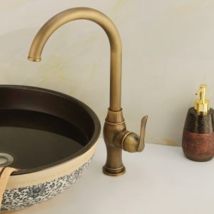 Ningjie Sanitary Ware Classical Kitchen Faucet (6703) pictures & photos