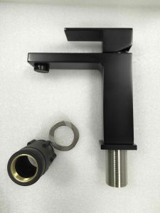 Watermark Modern Brass Black Bathroom Faucet (12C-101/B) pictures & photos