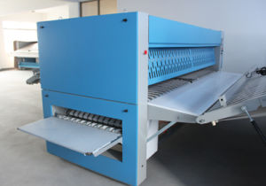 Zd Series Industrial Laundry Folding Machine pictures & photos