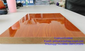 High Quality Wood Grain UV MDF pictures & photos