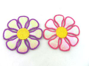 Custom Wholesale Embroidered Iron on Flower Patches pictures & photos