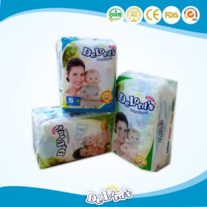 4pieces One Bag Baby Diaper for Sri Lanka Market pictures & photos