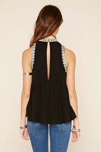 National Embroidery Back Slit Sleeveless Tops pictures & photos