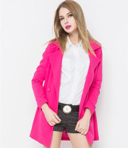 2016 New Arrival Europe Style Winter Woolen Women′s Coat pictures & photos