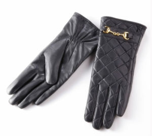 Lady Checked Pattern Sheepskin Leather Fashion Driving Gloves (YKY5212-2) pictures & photos