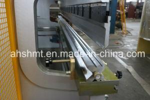Hydraulic Press Brake/CNC Pressbrake/Hydraulic Plate Bending Machine/Sheet Metal Works pictures & photos