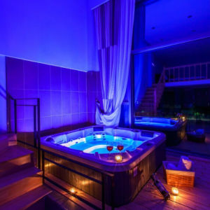 Highly Cost-Effective Hot Tub Jacuzzi SPA with WiFi pictures & photos