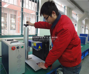 Low Cost 10W 20W 30W Fiber Laser Marking Printing Machine for Metal/ Nonmetal pictures & photos