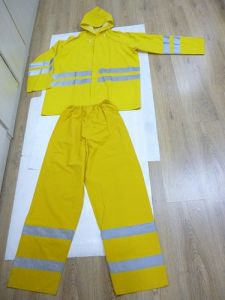 Yellow Rain Suits with Reflective Tape (DFRS16002) pictures & photos