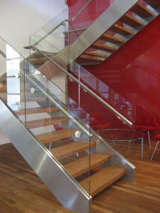 Stainless Steel Railing Wooden Staircase with Single Stringer pictures & photos