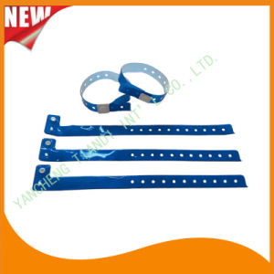 Entertainment Custom Plastic Vinyl Festival Evens ID Bracelets Wristbands (E60710) pictures & photos