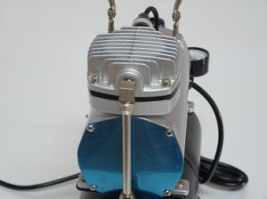 Airbrush Compressor Oil-Less Tc-20t Piston Type 1/5 HP 3.0L with Airbrush Holder pictures & photos
