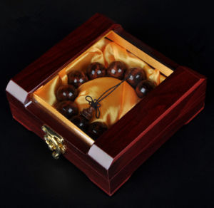 Wooden Bread Chain Showing Box with Window pictures & photos