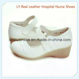 Ly Comfortable Genuine Leather Nurse Shoes (LY-MNS) pictures & photos