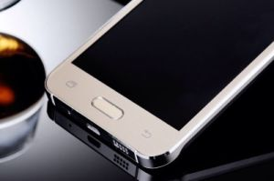 Mtk6580 Quad Core 5.0 HD Screen 3G Cell Phone pictures & photos