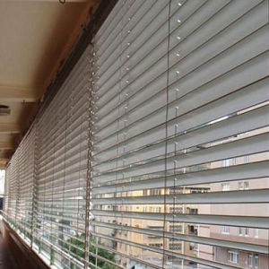 High-Grade Remote Control Aluminum Louvers Window pictures & photos