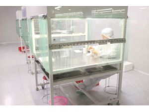 Clean Booth for Intalling Tablet PC Screen pictures & photos